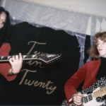 "36 anni. Rimpatrio definitivo: funk rock & blues. Il duo è ""Two in Twenty"". Repertorio nostro."
