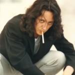 """Con sigaretta, frugando alla ricerca di """"un'ottica diversa"""""""